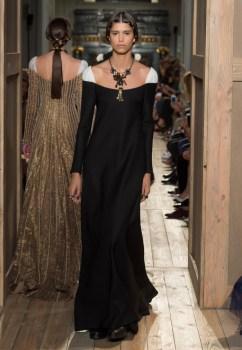 Valentino-Haute-Couture-2016-Fall-Runway-Show43
