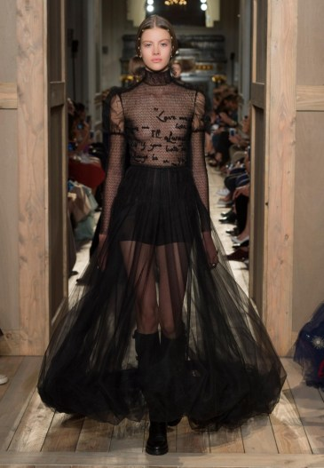 Valentino-Haute-Couture-2016-Fall-Runway-Show49