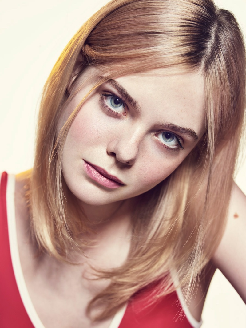 Falling From Stars Wallpaper Elle Fanning Stars In Variety S Young Hollywood Issue