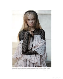 Alice-Wonderland-Fashion-Editorial-Daily-Summer07