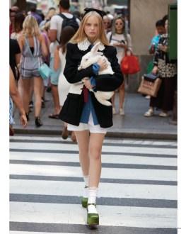 Alice-Wonderland-Fashion-Editorial-Daily-Summer09
