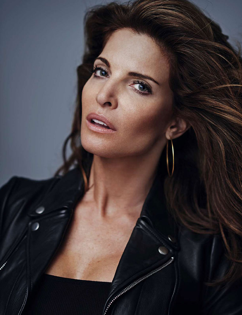 Stephanie Seymour Turns Up The Glam For ELLE Spain Cover