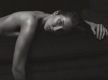 Bella-Hadid-Sexy-V-Magazine-Photoshoot11
