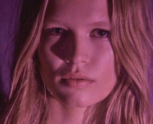 Anna-Ewers-Grazia-Germany-April-2017-Cover-Editorial08