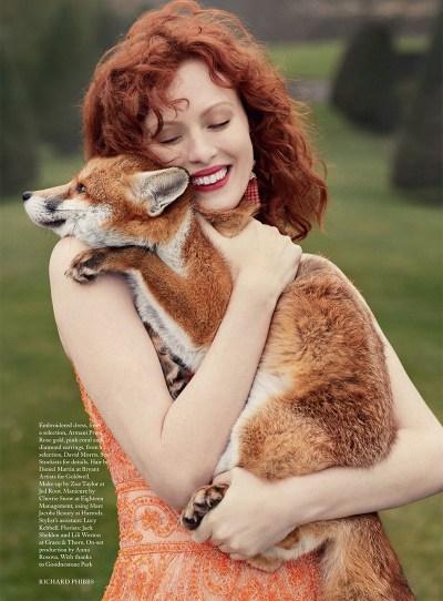 Karen-Elson-Harpers-Bazaar-UK-June-2017-Cover-Editorial09