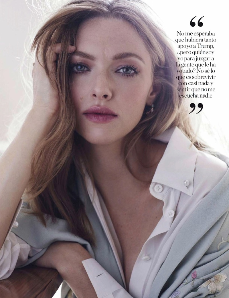 Amanda Seyfried wears a berry stained lip color