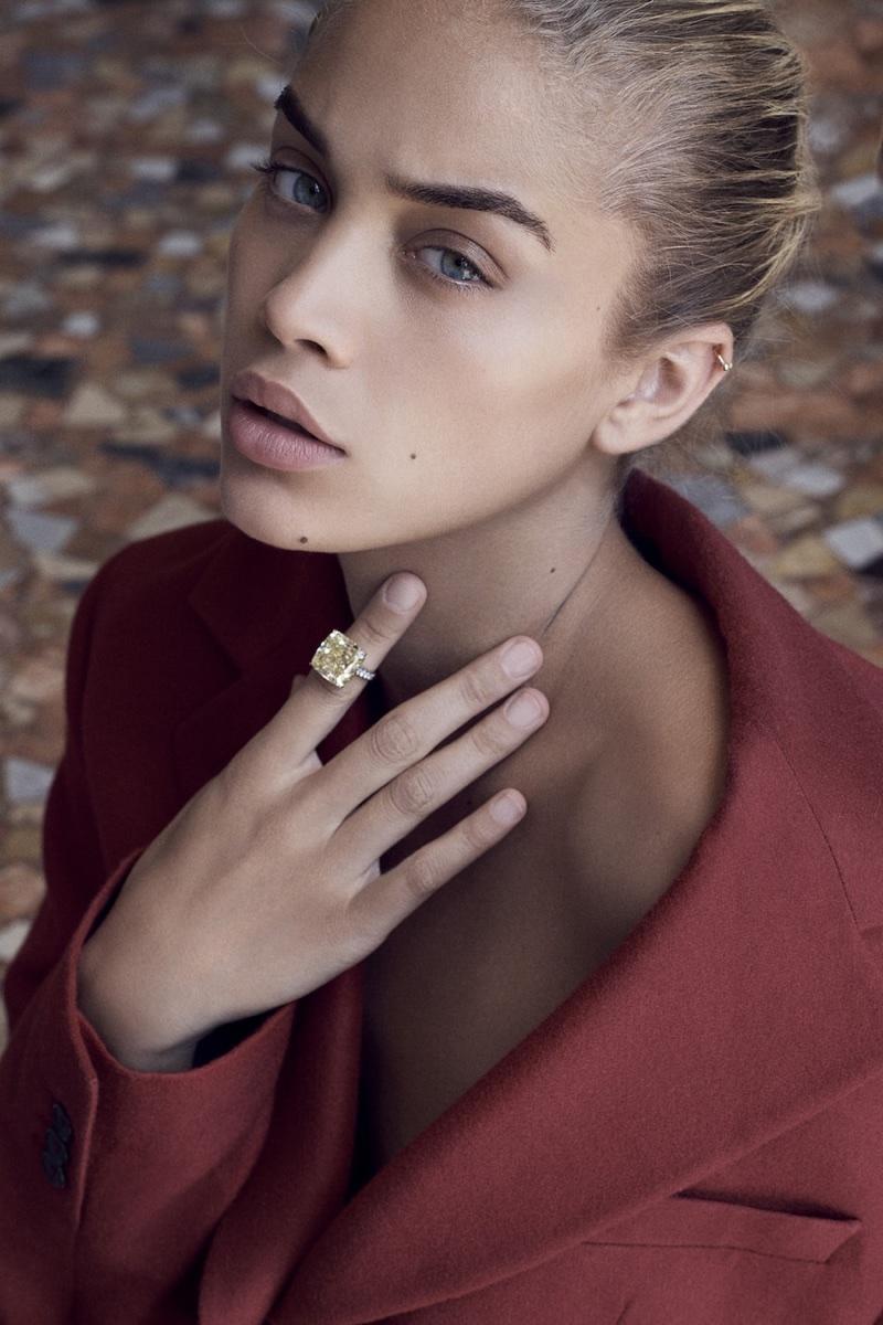Jasmine Sanders Minimal Fashion Editorial LOfficiel