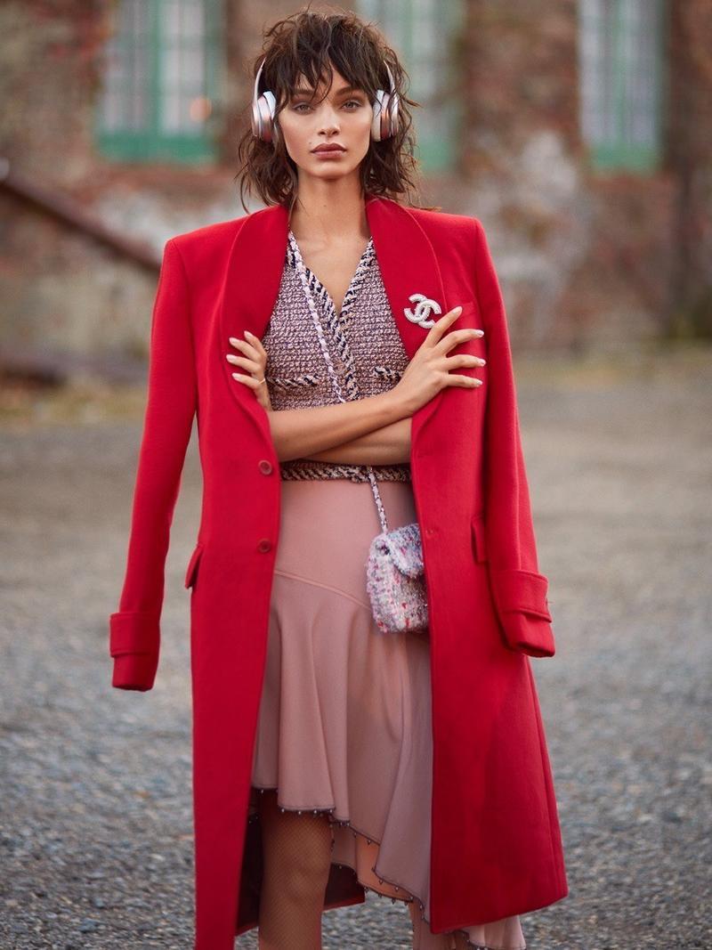 Luma Grothe  Red Fashion Editorial  ELLE Serbia Cover