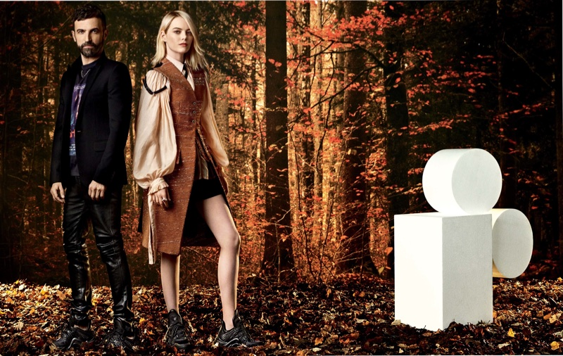 Alongside Nicolas Ghesquière, Emma Stone poses in Louis Vuitton outfit