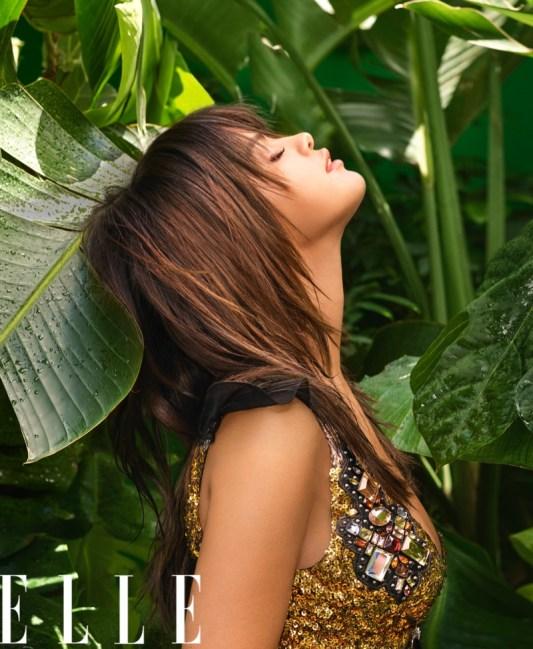 Selena-Gomez-ELLE-Cover-Photoshoot08