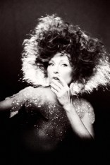 Julianne-Moore-Flaunt-Magazine-Cover-Photoshoot05