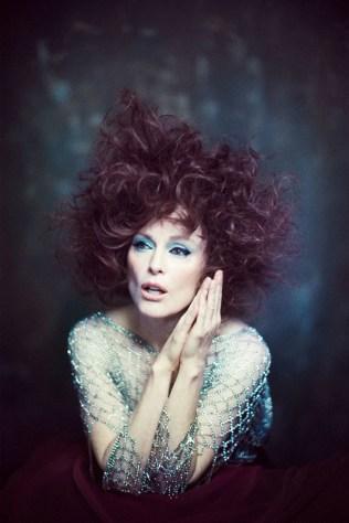 Julianne-Moore-Flaunt-Magazine-Cover-Photoshoot08