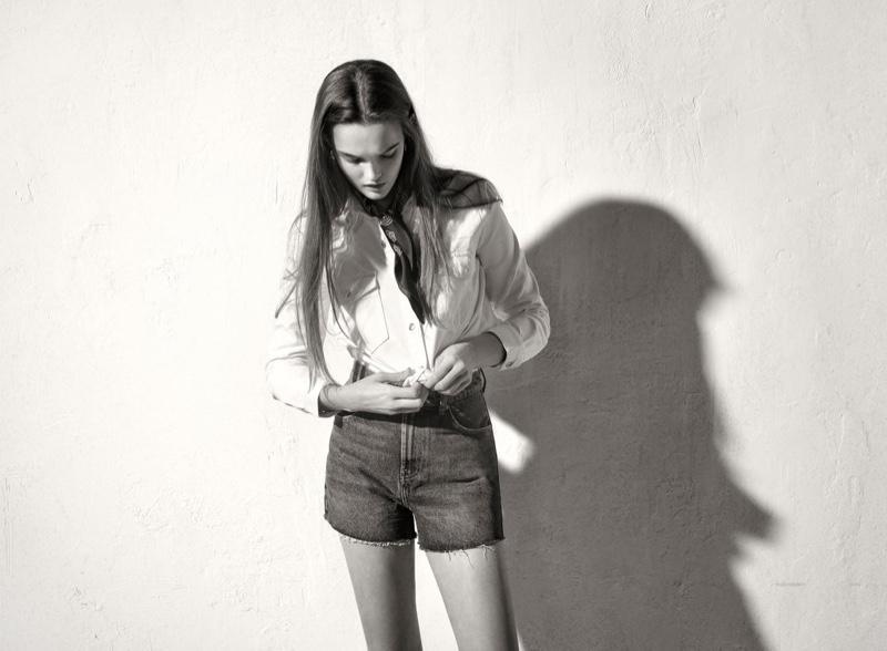 Lulu Tenney Embraces Zara's Casual Styles