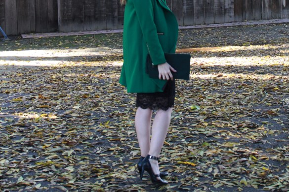 COLOR LOVE: CHRISTMAS GREEN + HOW TO WEAR MONOCHROMATIC LOOKS by Fashion in Flight