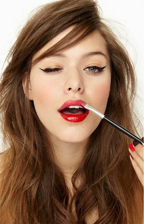 Red Lips and Winged Eyeliner Tips