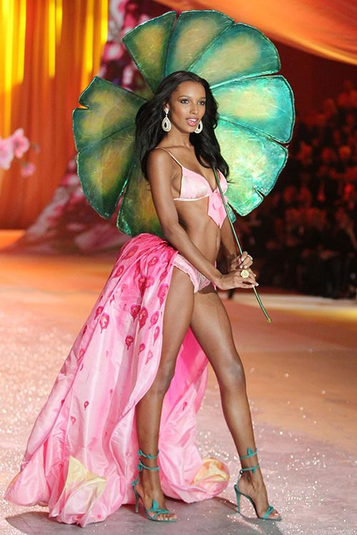 Victoria's Secret Angels Exercise Routines: Jasmine Tookes
