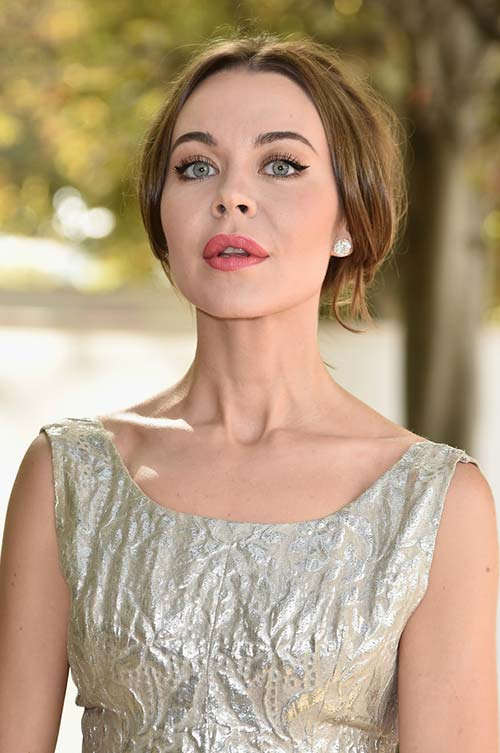 20 Stylish Ways to Wear Center Part Hairstyles: Ulyana Sergeenko