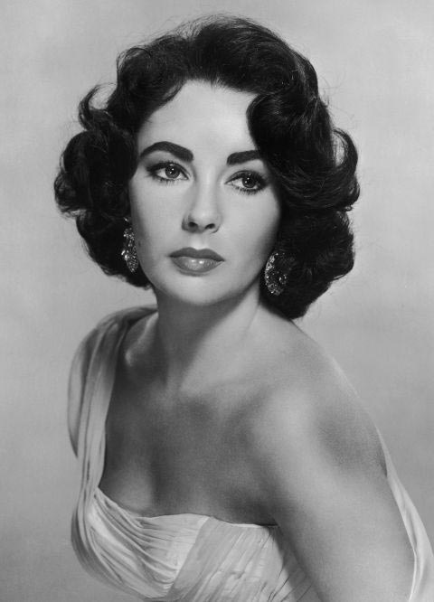 10 Old Hollywood Beauty Hacks: Elizabeth Taylor
