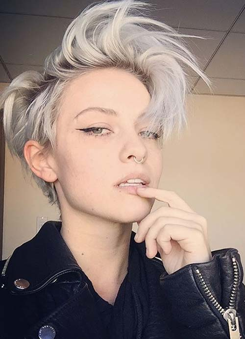 Short Hairstyles for Women with Thin/ Fine Hair: Short Bob