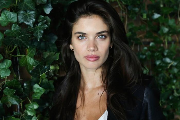 Fantastic! Victoria's Secret Model Sara Sampaio's Easy Bombshell Makeup Look