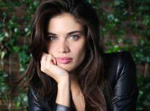 Watch Victoria's Secret Model Sara Sampaio's Easy Bombshell Makeup Look Sara Sampaio