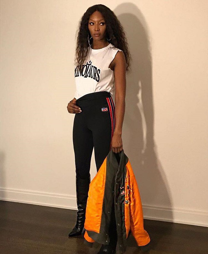 Naomi Campbell To Receive The 2018 CFDA Icon Award black pants white tee