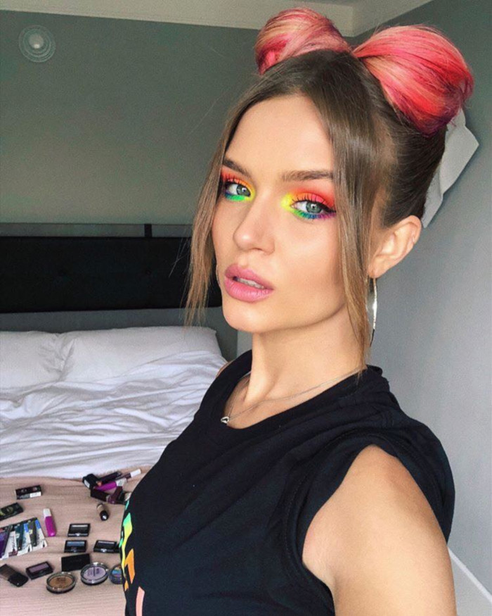 Makeup Trend Celebs Are Wearing Summers Hottest Colors on Their Face Josephine Skriver