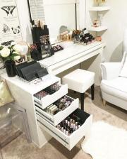 beauty room decor ideas