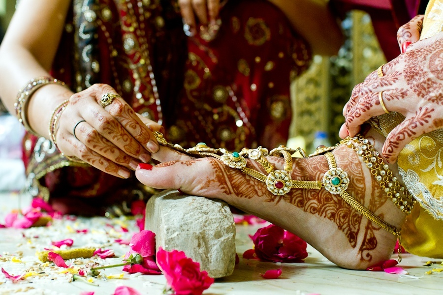 Respect Girl Wallpaper In Hindi Different Types Of Bangles Worn By Indian Married Women