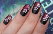 make flower nail art design