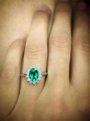 Sapphire And Emerald Engagement Ring Designs To Flaunt Til