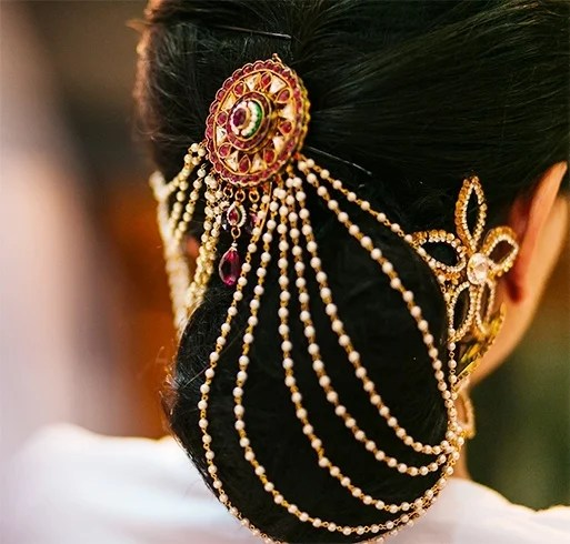 20 Chic Indian Bridal Hair Accessories To Die For