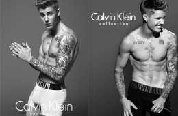 Tetování v trenýrkách. Justin Bieber a Lara Stone pro Calvin Klein. Zdroj: Oficiální FB a Instagram Calvin Klein