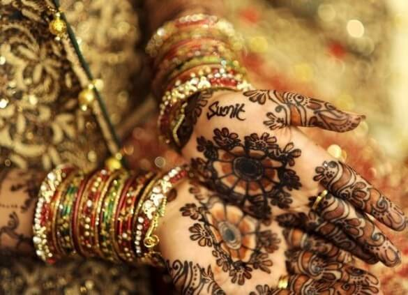 Mehandi Latest Design For Choose Your Dress where u are great ideas for favorite design wedding where u are great ideas for favorite design wedding Beautiful Hands Mehndi Henna Designs For Bridal 585x423