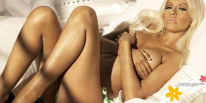 top 50 hottest and most sexiest moms on instagram Top 50 Hottest and Most Sexiest Moms on Instagram Christina Aguilera