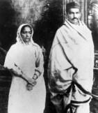Mahatma_kasturba_1922_Khadi