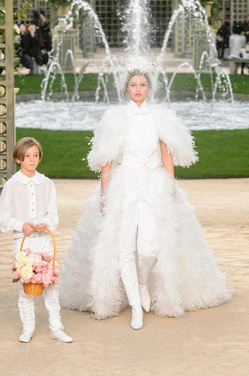 Chanel_Haute-Couture_SS18-1.jpg