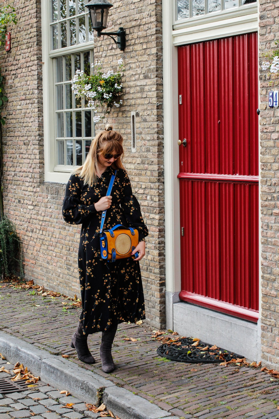 Fall Floral Dresses // Romanian Design Wheely Bag