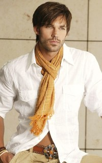 how men wear scarves wearing a scarf