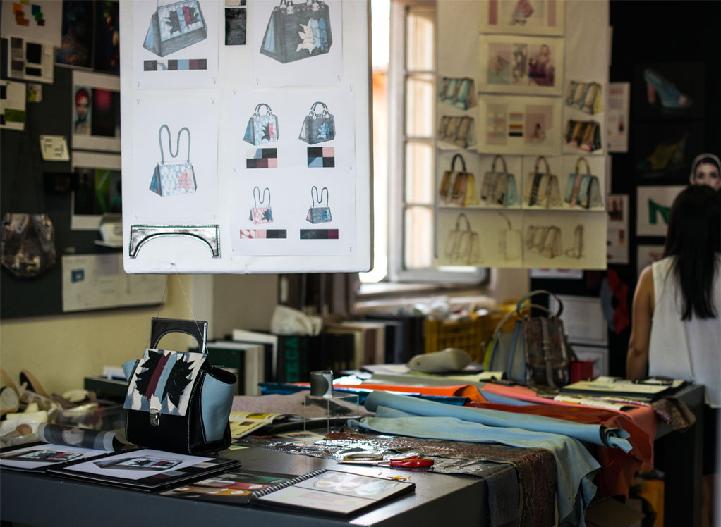Studying fashion the professional outlets to choose  Blog di moda