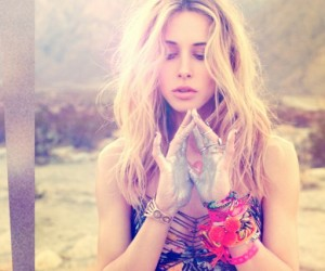 Gillian Zinser Summer Beach Hair