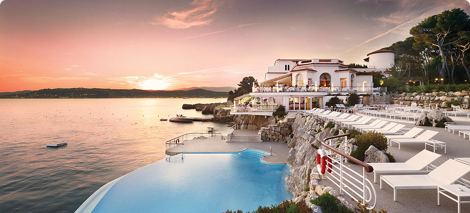5 most beautiful hotel pools in the world fashion 39 s on for Most stylish hotels in the world