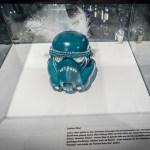 Jania Use Star Wars: Stormtrooper Helm-Ausstellung mit Berliner Fashion Designer