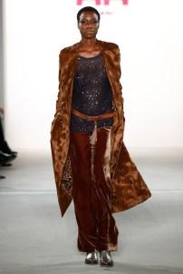 RIANI-Mercedes-Benz-Fashion-Week-Berlin-AW-17-69782