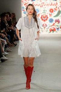 LENA HOSCHEK-Mercedes-Benz-Fashion-Week-Berlin-SS-18-71716