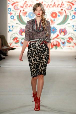 LENA HOSCHEK-Mercedes-Benz-Fashion-Week-Berlin-SS-18-71721