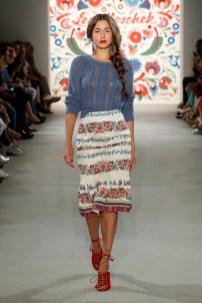LENA HOSCHEK-Mercedes-Benz-Fashion-Week-Berlin-SS-18-71754
