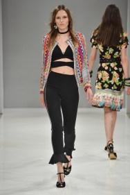 RIANI-Mercedes-Benz-Fashion-Week-Berlin-SS-18-015