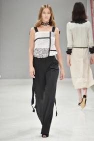 RIANI-Mercedes-Benz-Fashion-Week-Berlin-SS-18-024