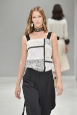RIANI-Mercedes-Benz-Fashion-Week-Berlin-SS-18-025